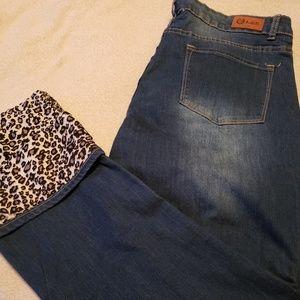 Denim - Cute leopard cuff and distressed jeans